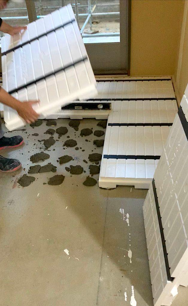 【大西化成の納品事例】老健施設の床下地材に発泡スチロールを使用!